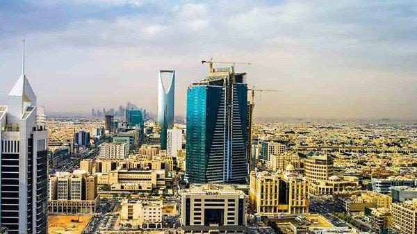 السعودية ترفع شروط استقدام المهندسين من الخارج لتوطين عمالتها