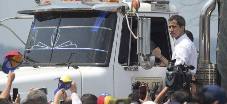 زعيم المعارضة في فنزويلا خوان غوايدو يعلن دخول شحنة أولى من المساعدات من البرازيل إلى فنزويلا